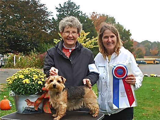 Winner of Best in Show was Peggy Metcalf's black and tan, Indy, who came out of the Merry of Beaufin Bitch Stakes.